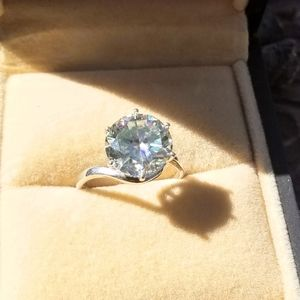 Jewelry - 6ct Moissanite Colorless / White Sterling 925